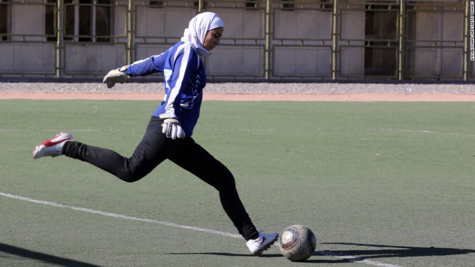 pemain bola sepak berhijab
