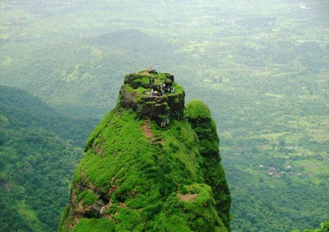 pemandangan dari puncak kalavantin durg yang sangat indah 777
