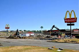 pembinaan restoran mcdonalds