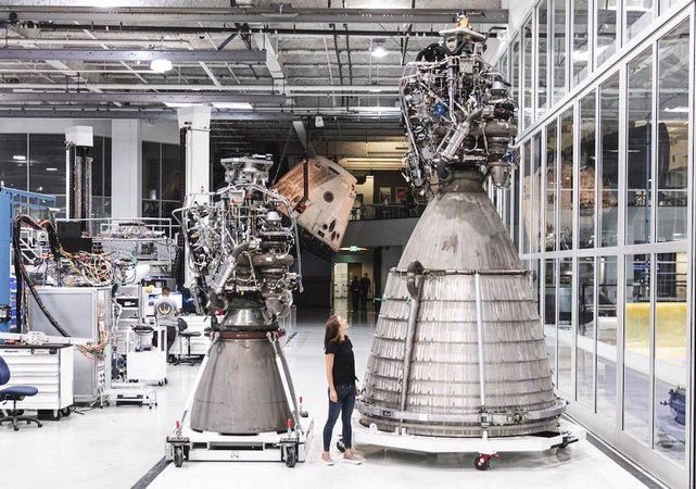 pembinaan roket starship oleh spacex