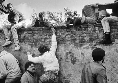 pembinaan tembok berlin sejarah perpecahan jerman barat dan timur sebabkan tembok berlin dibina 3