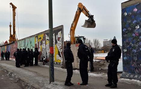 pembinaan tembok berlin sejarah perpecahan jerman barat dan timur sebabkan tembok berlin dibina 8