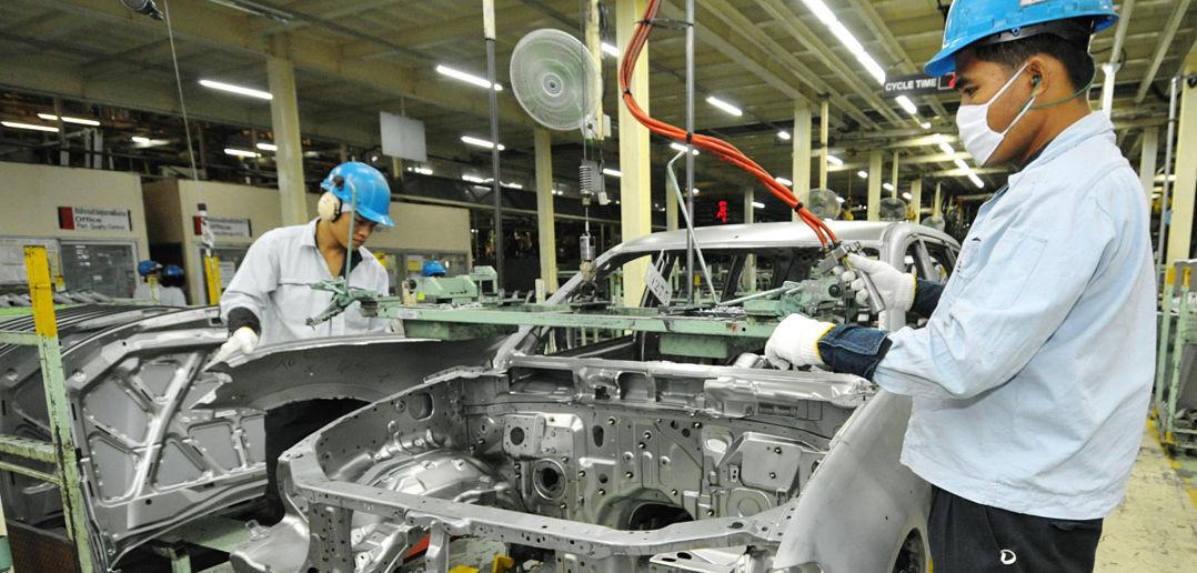 pembuatan kereta thailand