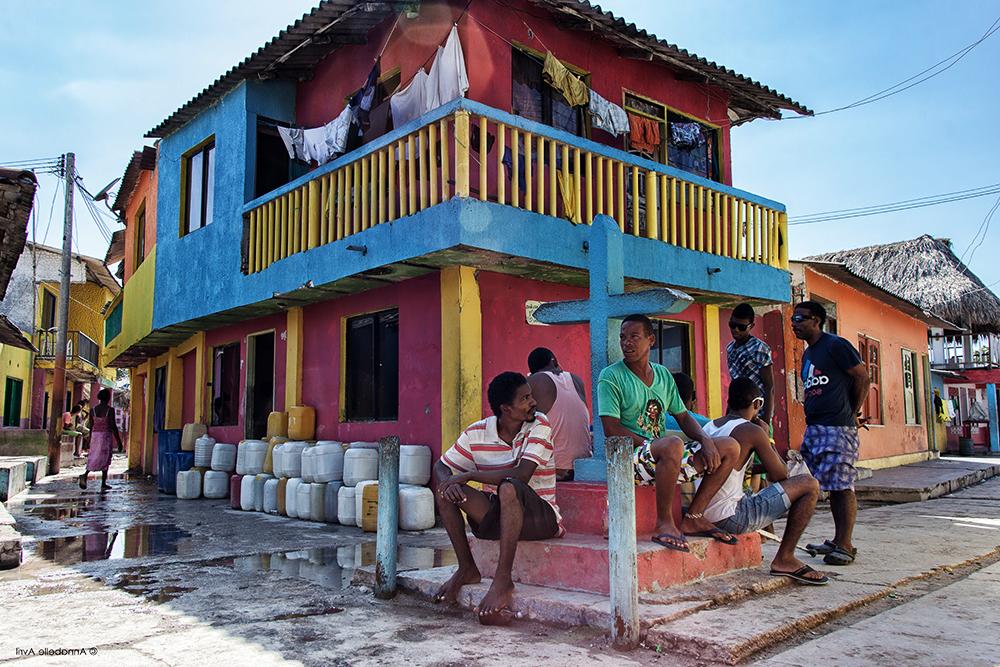 penduduk tempatan di santa cruz del islote