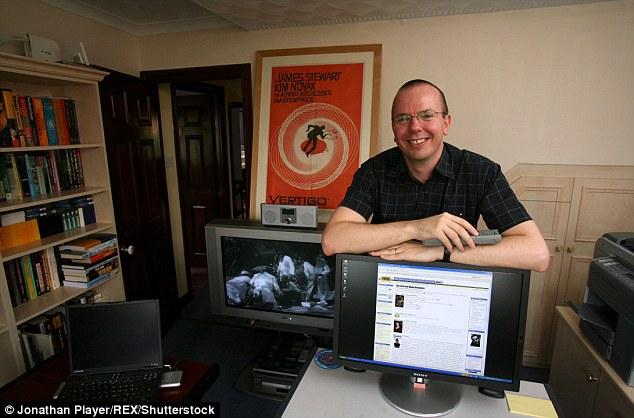 pengasas imdb mula dari rumah
