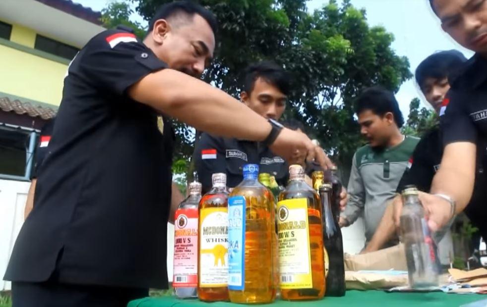 pengharaman jualan minuman keras lumpuhkan 7 eleven indonesia