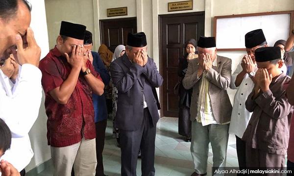 pengikut ahmadiyah bersyukur terima keputusan mahkamah
