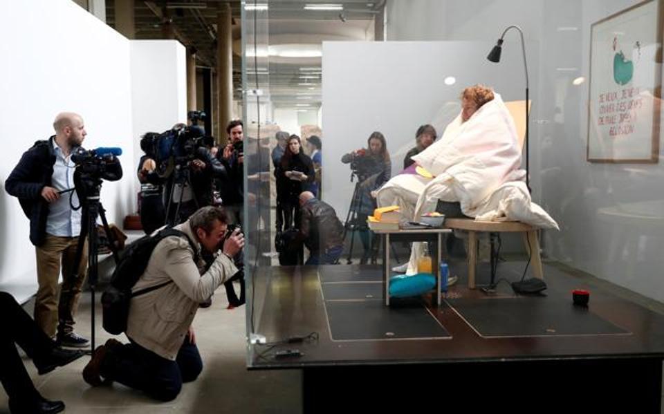 pengunjung muzium boleh melihat sendiri aktiviti abraham poincheval