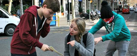 penipuan bertanyakan arah jalan bukan sahaja di paris tetapi di banyak bandar eropah lain