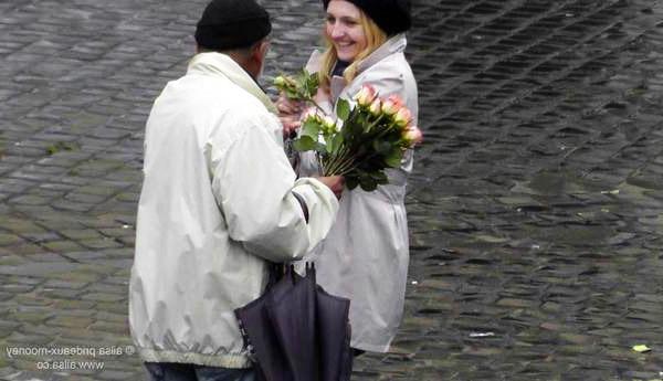 penipuan bunga ros di paris 757