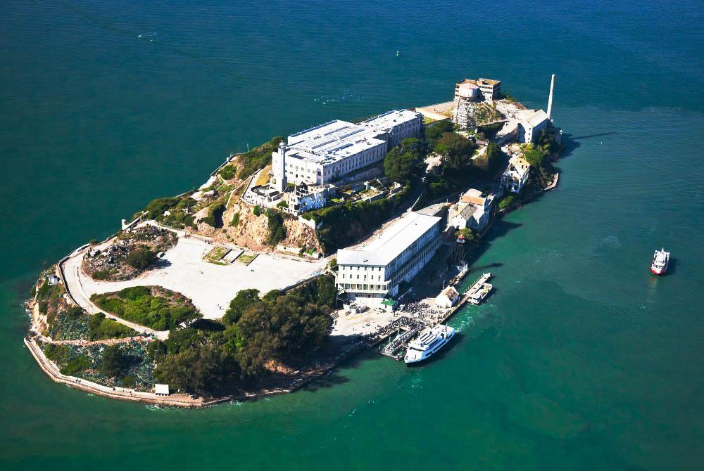 penjara alcatraz terletak di sebuah pulau