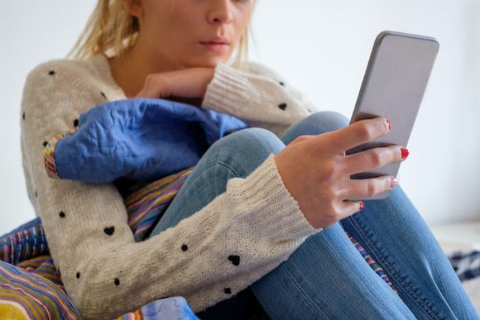 penyisihan sosial akibat media sosial individu rasa dipinggirkan