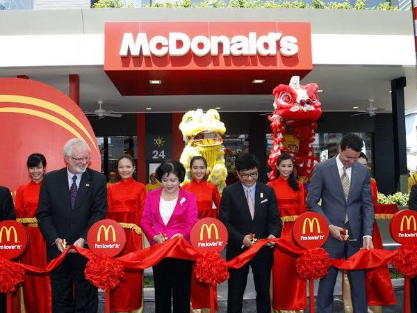 perasmian pembukaan mcdonalds di vietnam