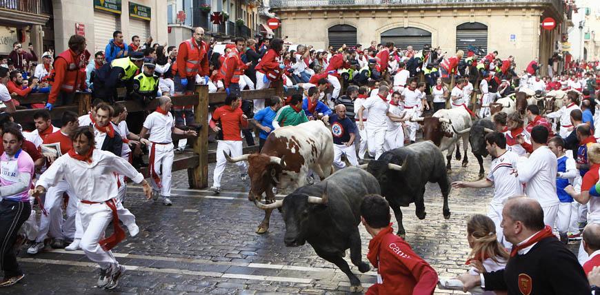 perayaan berbahaya di dunia fiesta de san ferm n sepanyol dikejar lembu jantan 2