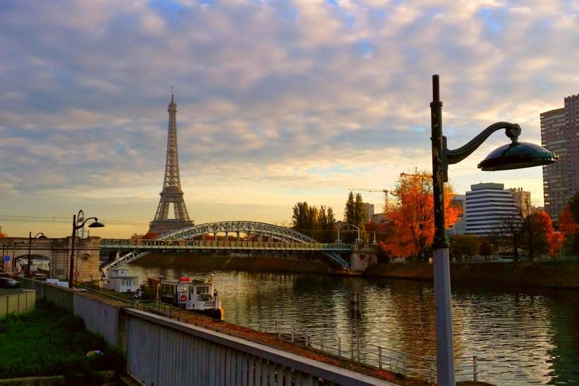 percutian di paris