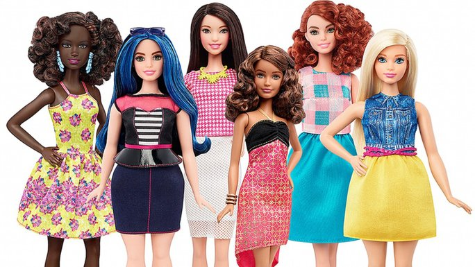 perubahan ke atas patung barbie versi realistik
