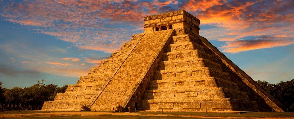 piramid maya