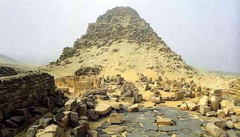 piramid neferefre mercu tanda popular dunia yang gagal disiapkan
