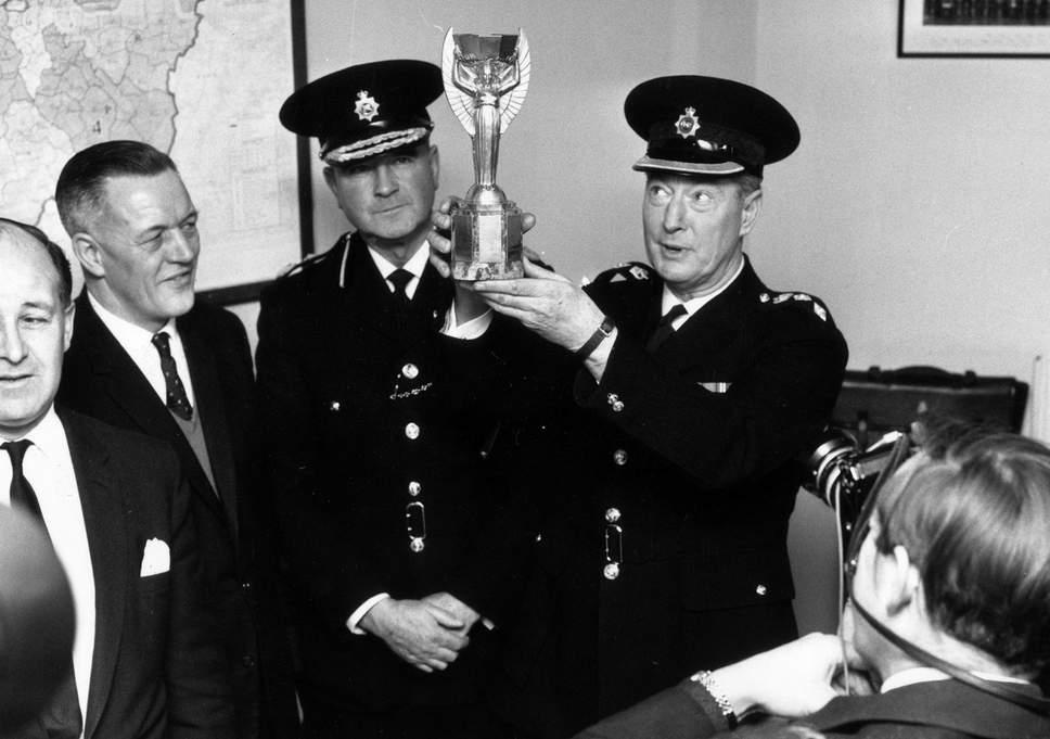 polis british menemui semula trofi jules rimet