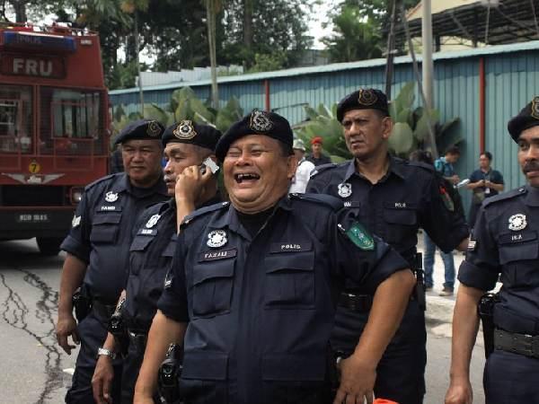 polis malaysia gemuk tak naik pangkat