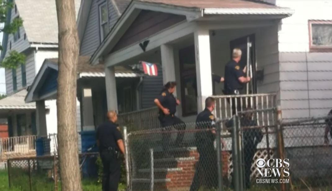 polis menyerbu masuk rumah ariel castro