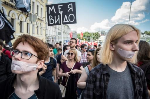 protes orang rusia