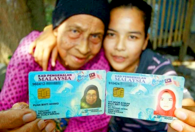 puan binti ahmad bersama cucu di kuala sanglang