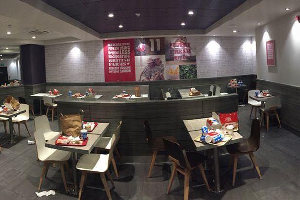 rakyat malaysia tak reti kemas meja selepas makan
