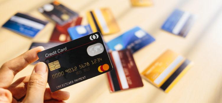 ramalan kewujudan kredit kad