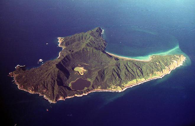 raoul island pulau terpencil di dunia