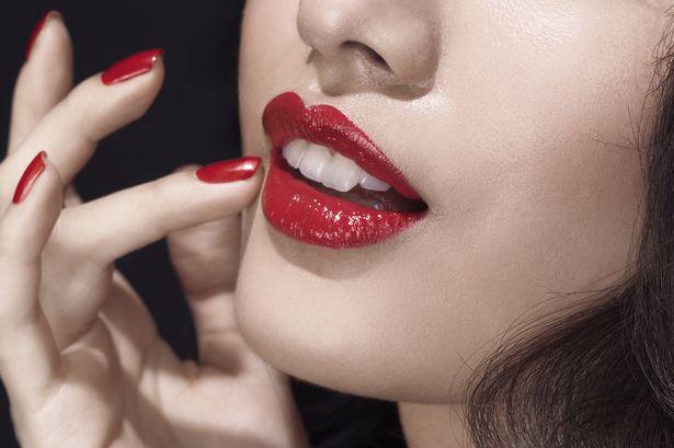 Image result for lipstick mengandungi dye