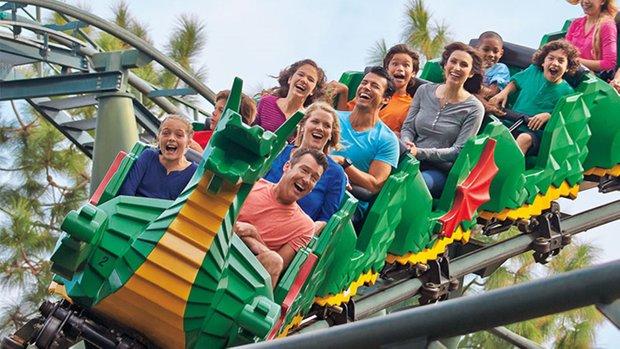 ride di legoland boleh dinaiki oleh anak kecil sesuai untuk semua peringkat umur