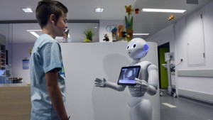 robot pertama dalam sejarah lulus ujian perubatan