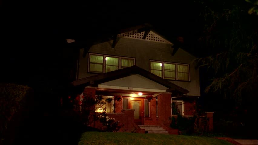rumah lampu terpasang