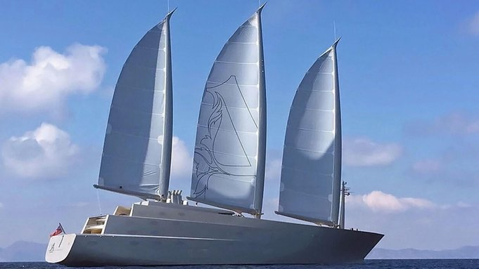 sailing yacht a side view 653