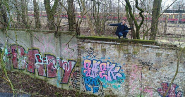 saki baki tembok berlin