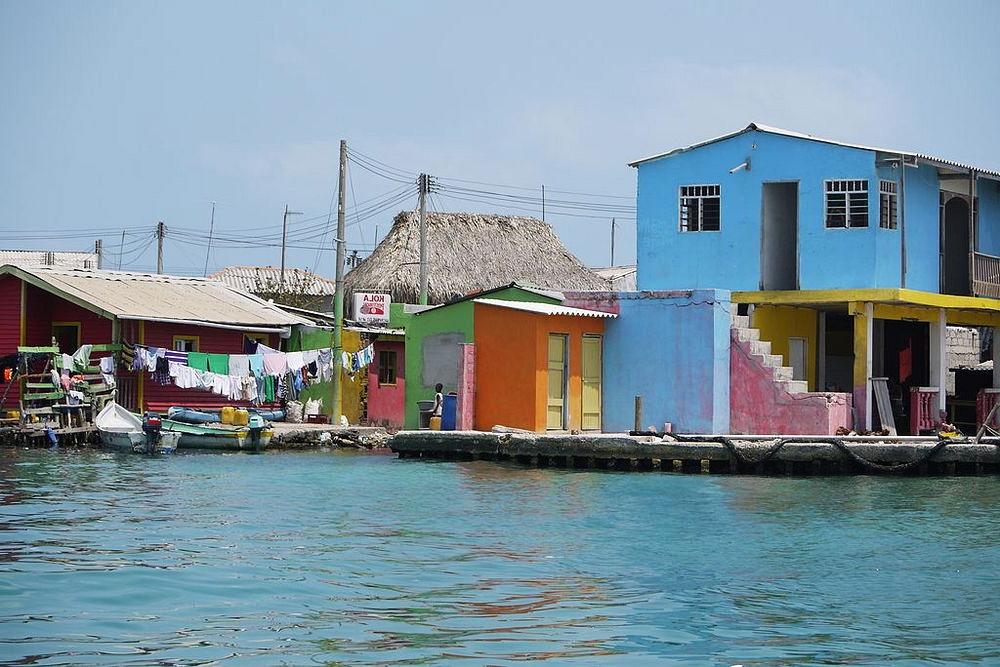 santa cruz del islote pulau terpadat di dunia 3