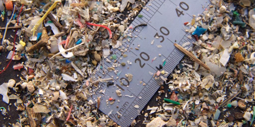 sebahagian plastik mikro