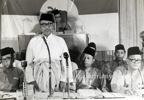 sejarah penubuhan umno tunku abdul rahman