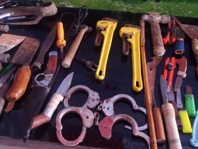 senjata tersembunyi dalam sel penjara kerobokan bali