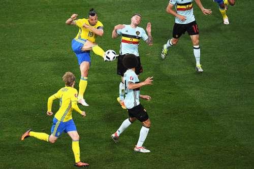 sepakan zlatan sangat laju namun tidak tersenarai