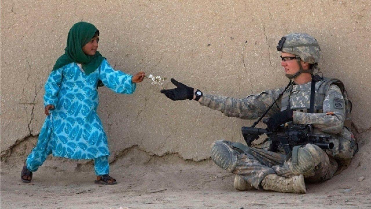 sifat baik manusia boleh menjadikan anda hidup lebih gembira bantu orang lain