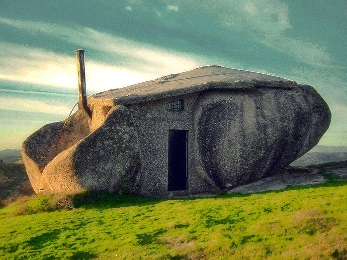 stone house bangunan paling aneh dan pelik di dunia 3