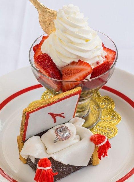 strawberries arnaud pencuci mulut paling mahal di dunia