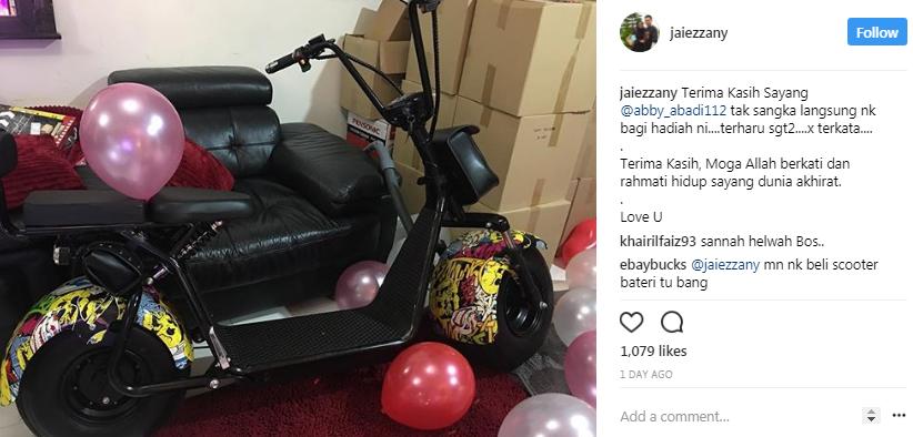 suami terharu terima kejutan hadiah unik abby abadi sempena hari lahir 2