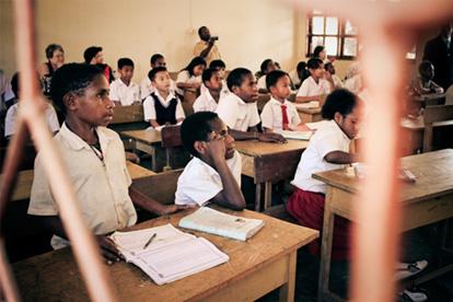 suasana di sebuah sekolah di tolikara