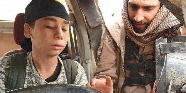 suicide bomber diajar memandu kereta