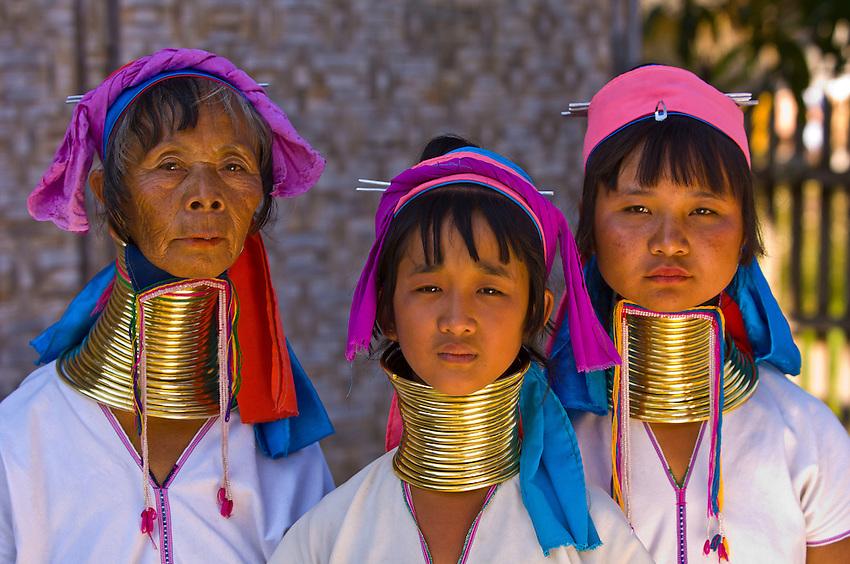 suku kaum padaung leher paling panjang di dunia