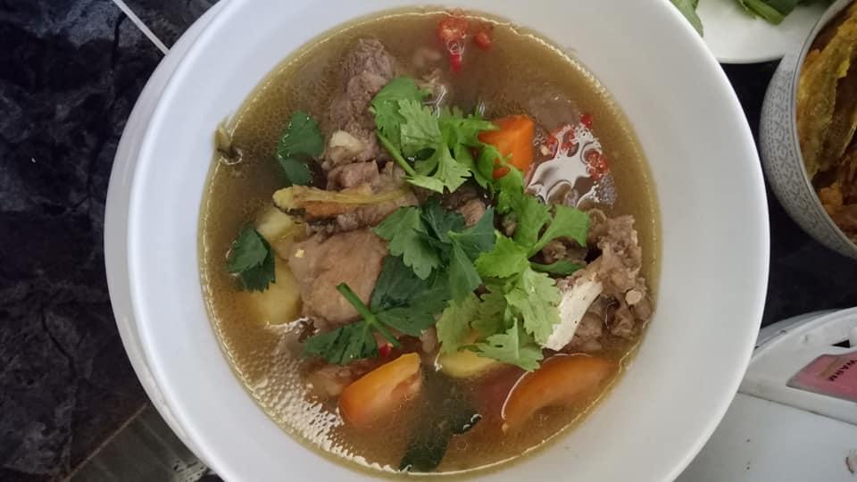 sup tulang ala kedai makan siam