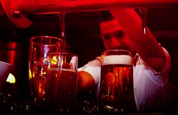 tabiat minum arak perspektif agama lain